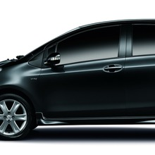 2012-Toyota-Yaris-RS(73)