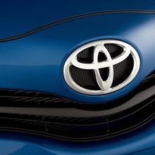 2012-Toyota-Yaris-14