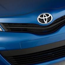 2012-Toyota-Yaris-15