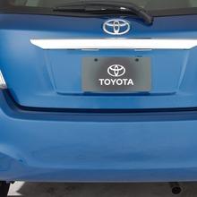 2012-Toyota-Yaris-16