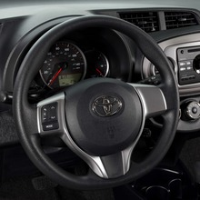 2012-Toyota-Yaris-23