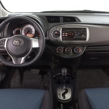2012-Toyota-Yaris-34
