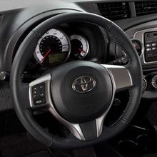 2012-Toyota-Yaris-36