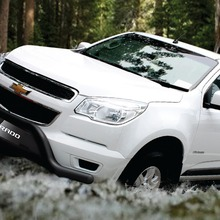 2013-Chevrolet-Colorado-01