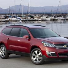 2013-Chevrolet-Traverse-01