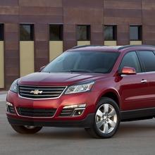 2013-Chevrolet-Traverse-02