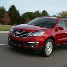 2013-Chevrolet-Traverse-07