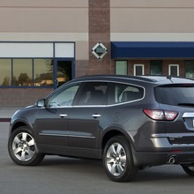 2013-Chevrolet-Traverse-10