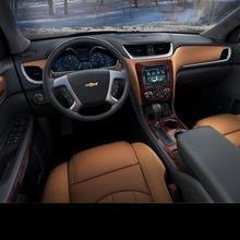 2013-Chevrolet-Traverse-17