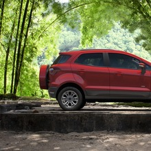 2013-Ford-EcoSport-crossover-29