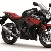 22013-Honda-CBR250R-Mugen-01