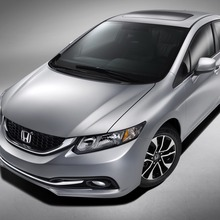 2013-honda-civic-sedan-02