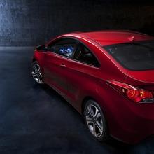 2013-Hyundai-Elantra-Coupe-02
