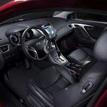 2013-Hyundai-Elantra-Coupe-06