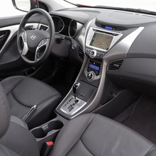 2013-Hyundai-Elantra-Coupe-07