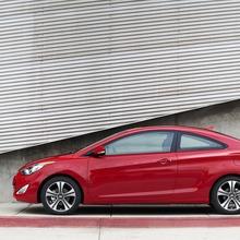 2013-Hyundai-Elantra-Coupe-12
