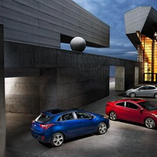 2013-Hyundai-Elantra-Coupe-14