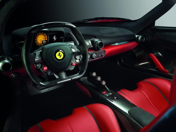 http://photos.autospinn.com/cache/2013-LaFerrari-Officially-Revealed/2012858359936862255_610.jpg