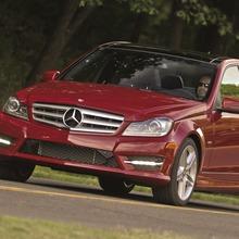 2013-Mercedes-Benz-C-Class-01