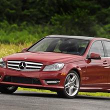 2013-Mercedes-Benz-C-Class-02