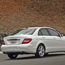 2013-Mercedes-Benz-C-Class-06