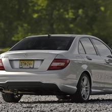 2013-Mercedes-Benz-C-Class-08