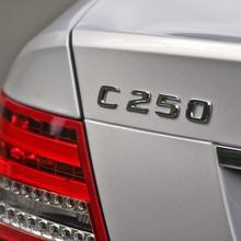 2013-Mercedes-Benz-C-Class-09