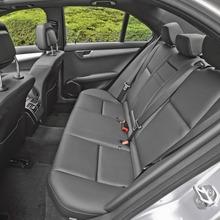 2013-Mercedes-Benz-C-Class-12