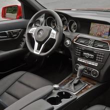 2013-Mercedes-Benz-C-Class-13