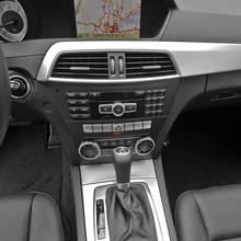 2013-Mercedes-Benz-C-Class-16