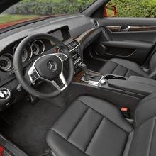 2013-Mercedes-Benz-C-Class-17