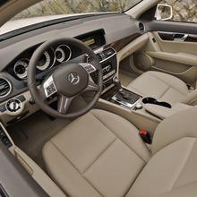 2013-Mercedes-Benz-C-Class-19