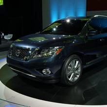 Nissan-Pathfinder-2012-09