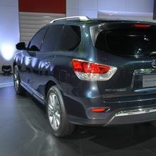 Nissan-Pathfinder-2012-11