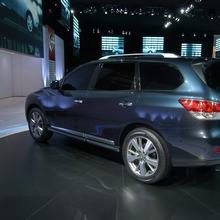 Nissan-Pathfinder-2012-13