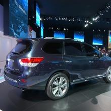 Nissan-Pathfinder-2012-14