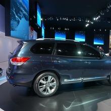 Nissan-Pathfinder-2012-15