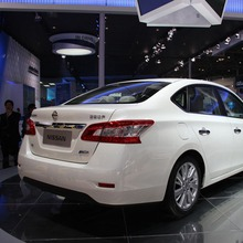 Nissan-Sylphy-2013-06