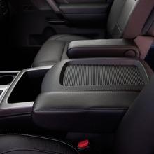 2013-Nissan-Titan-09