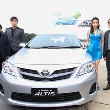 2013-Toyota-Altis-E85-05
