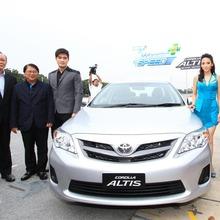 2013-Toyota-Altis-E85-06