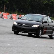 2013-Toyota-Altis-E85-08