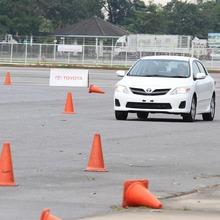2013-Toyota-Altis-E85-09
