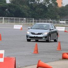 2013-Toyota-Altis-E85-10