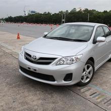 2013-Toyota-Altis-E85-11