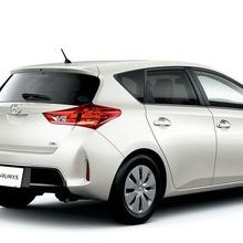 2013-Toyota-Auris-Hatchback-JDM-07