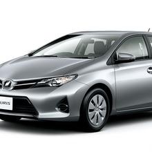 2013-Toyota-Auris-Hatchback-JDM-10