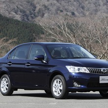 Toyota-Corolla-Axio-JDM-2013-01