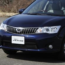 Toyota-Corolla-Axio-JDM-2013-04