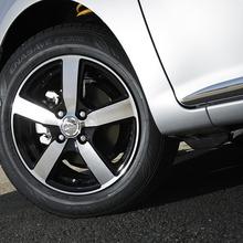 Toyota-Corolla-Axio-Modellista-2013-05